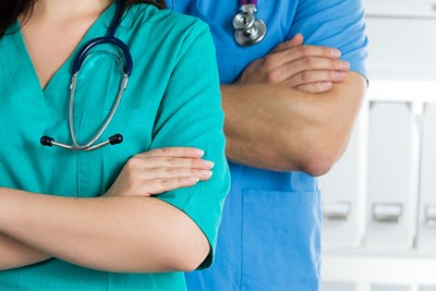 Pros and Cons of Being a Physician Assistant