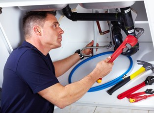 What Kind of Salary Can Plumbers Expect?
